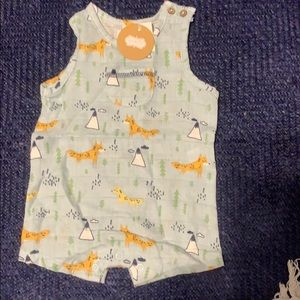New w tags Cotton muslin baby outfit with foxes